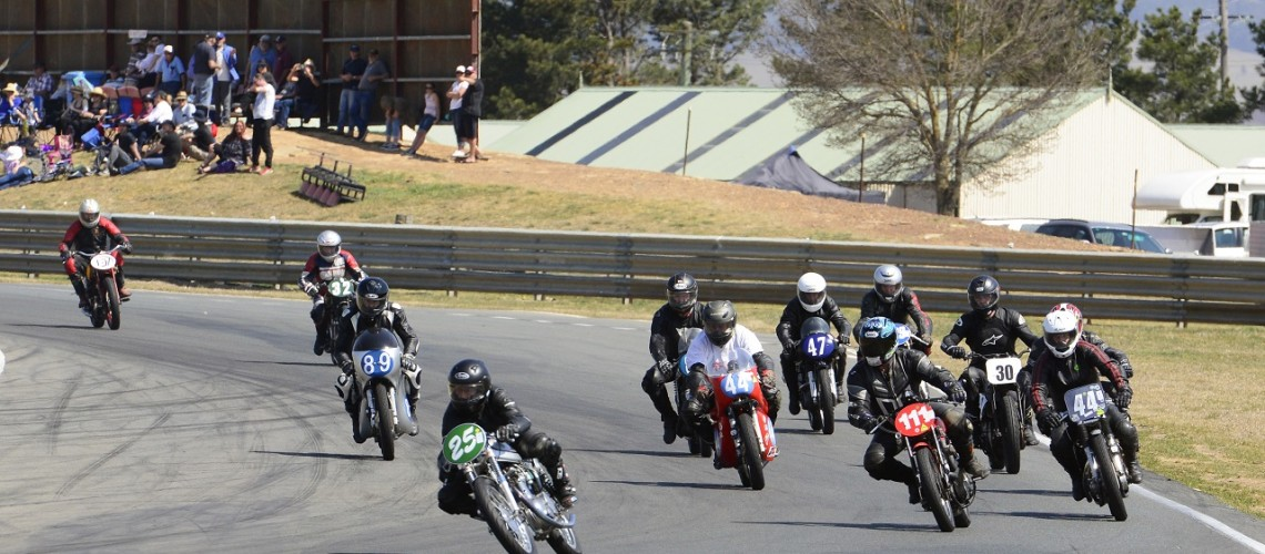 All Historic Race Meeting Wakefield Park 23 Sept 17 - Bikes 6